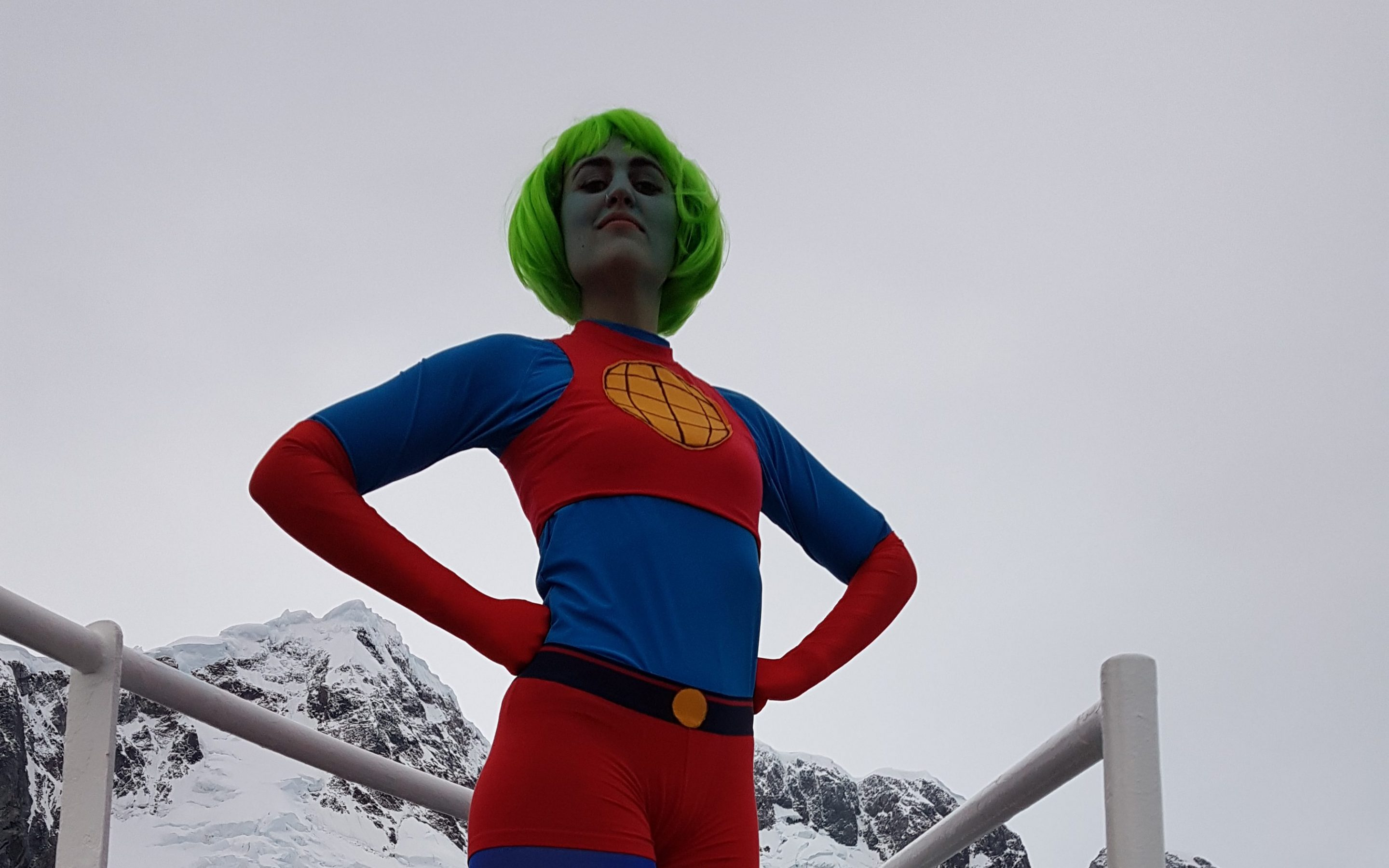 FEMALE SUPERHEROS OF SCIENCE IN ANTARCTICA: #TEAMHB CORRESPONDENT LEE CONSTABLE