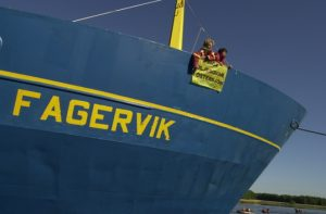 Greenpeace Protestors aboard the M/S Fagervik in June 2021© Greenpeace / Martin Zakora